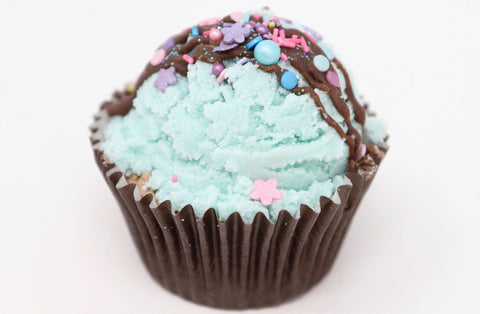 Shop Mint Chocolate cupcake bath bombs in Canada | Natural Wonders | 100% Hand Made | Ultra Hydration | Dry and Itchy