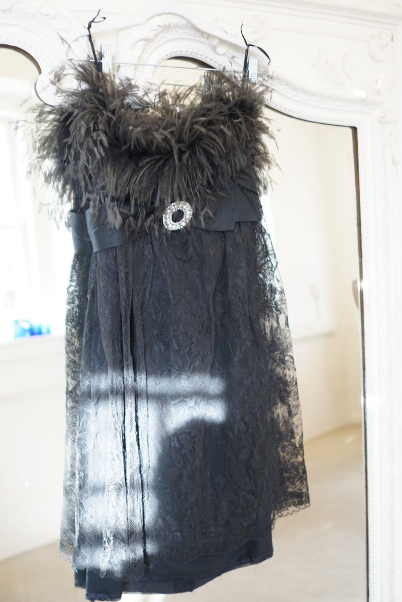Sz. 6 Ostrich Feather Strapless Gown