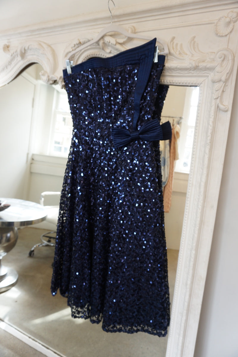 Medium/Large 80's Sequin Neckline Gown