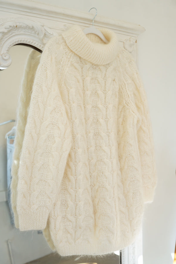 S/M Foam Cableknit Mohair Sweater