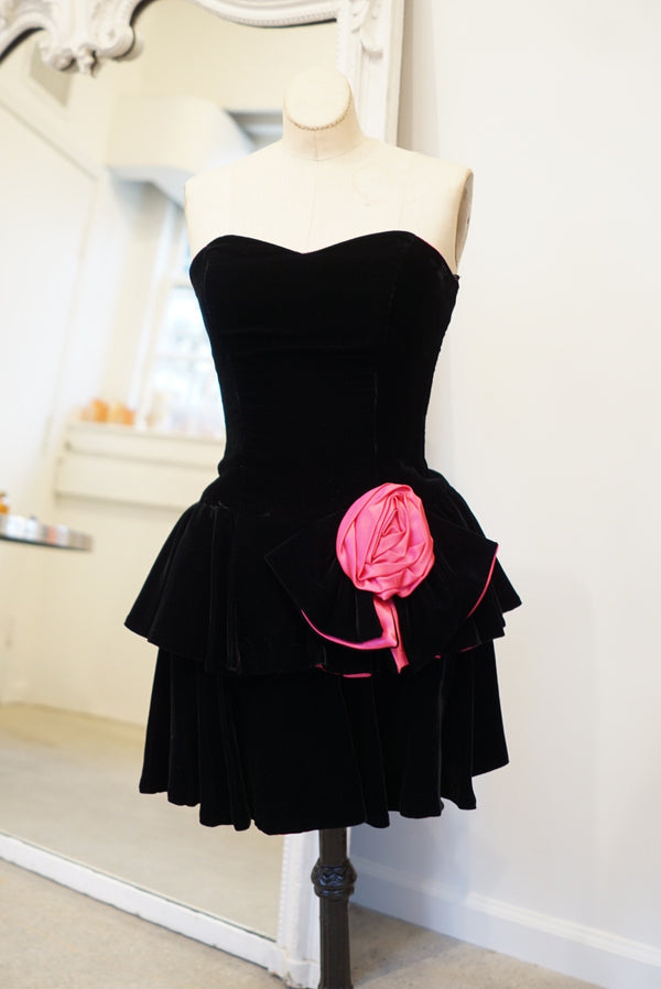 Medium Velvet Layers Sweetheart Party Dress