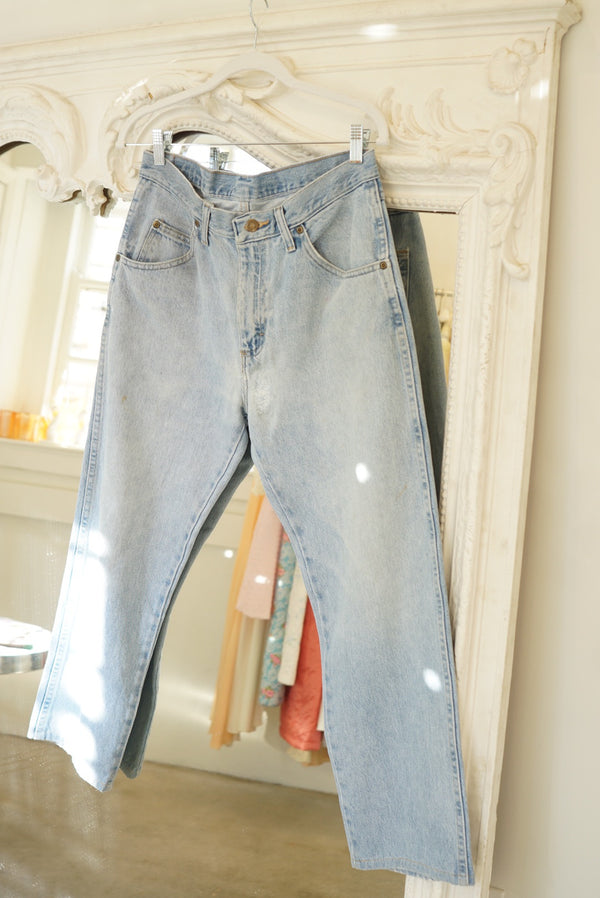 Sz. 28 Wrangler Light Wash