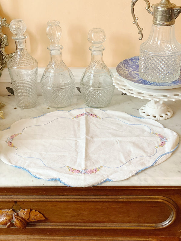 Hand Embroidered Vintage Table Set
