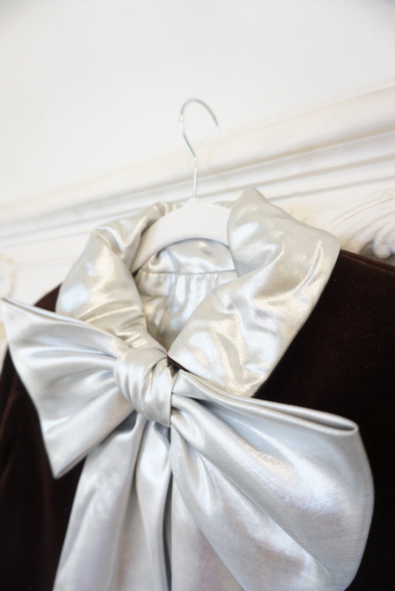 Medium Metallic Bow Chocolate Velvet Magic