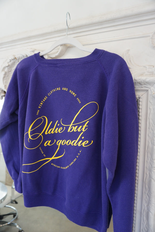 Medium Oldid but a goodie Sweatshirt