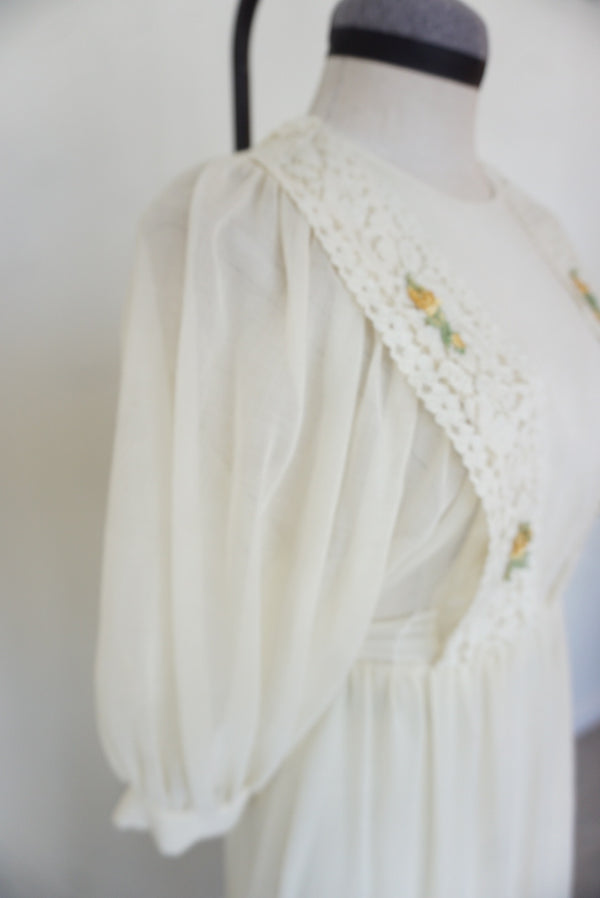 Small Handmade Puff Sleeve Appliqué Dress