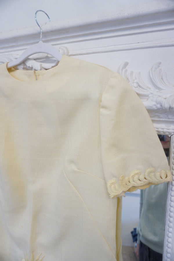 Small/Medium Muted Yellow & Lace Mini
