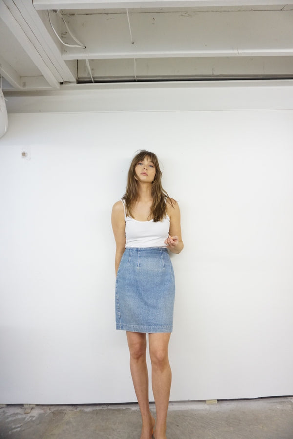 26/27 High Rise Tailored Fit 80s Denim Skirt