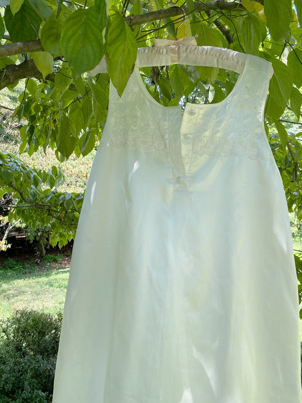 Medium Creamy White Nighty