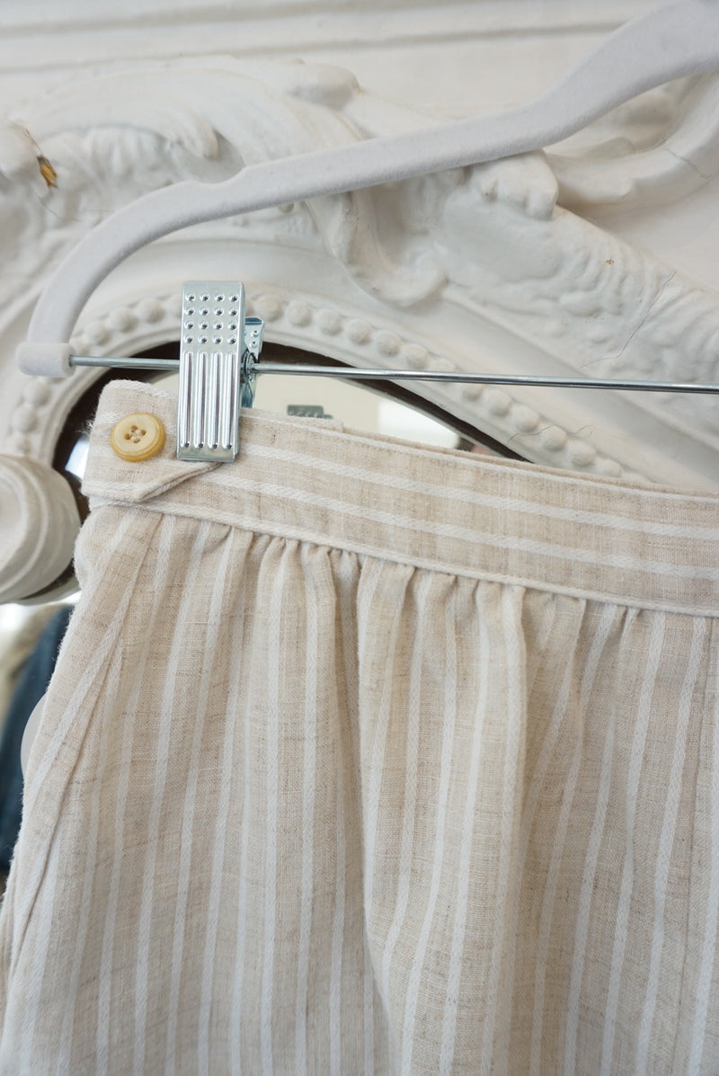 Sz.27 Sandy Linen Shorts