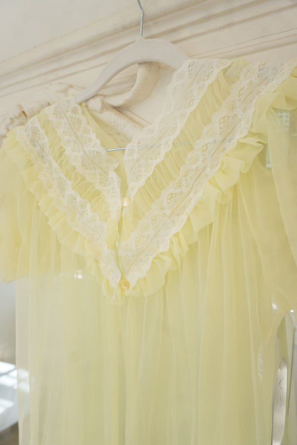 Small/medium Buttercup Nylon Robe