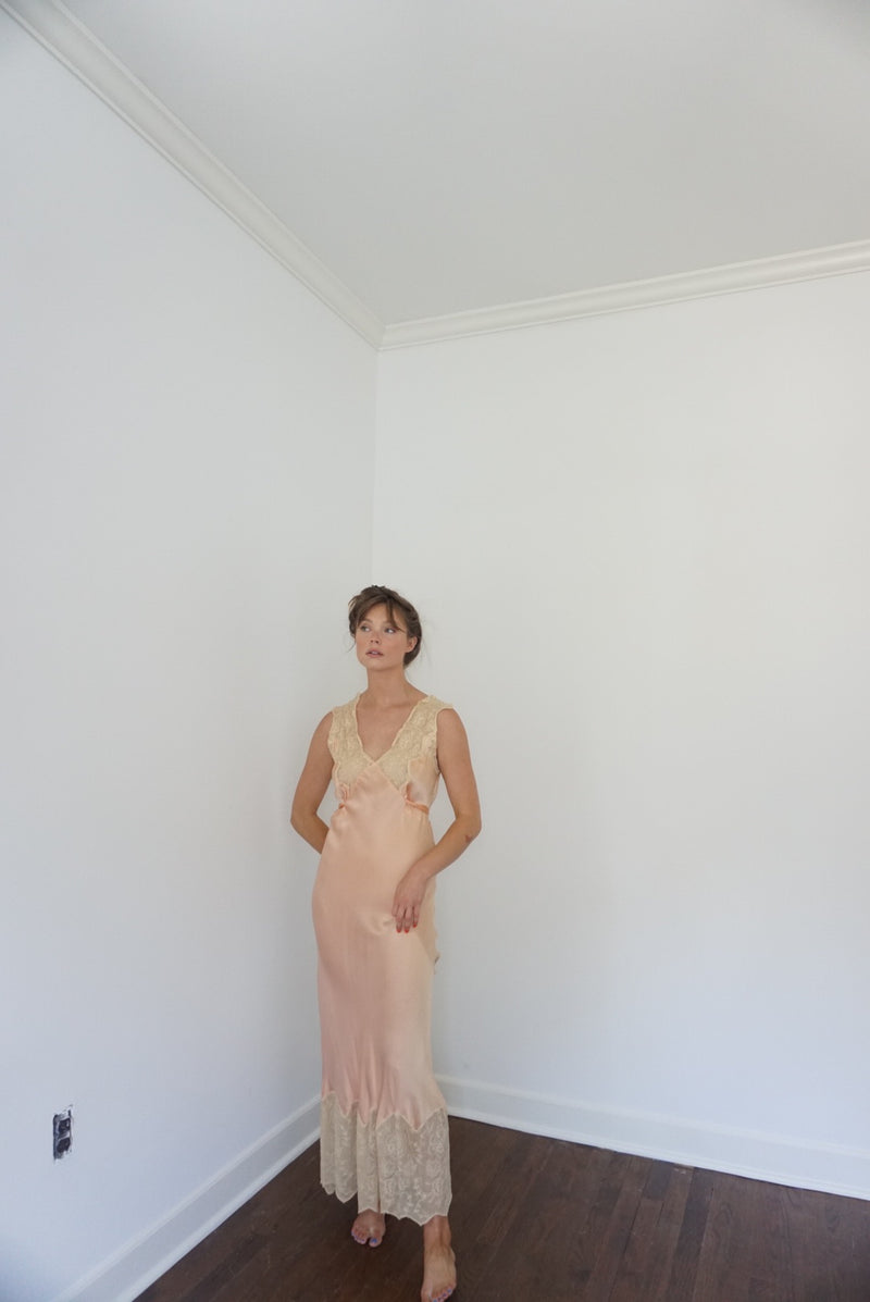 Small Peach & Lace Silk Slip Dress 30s/40s
