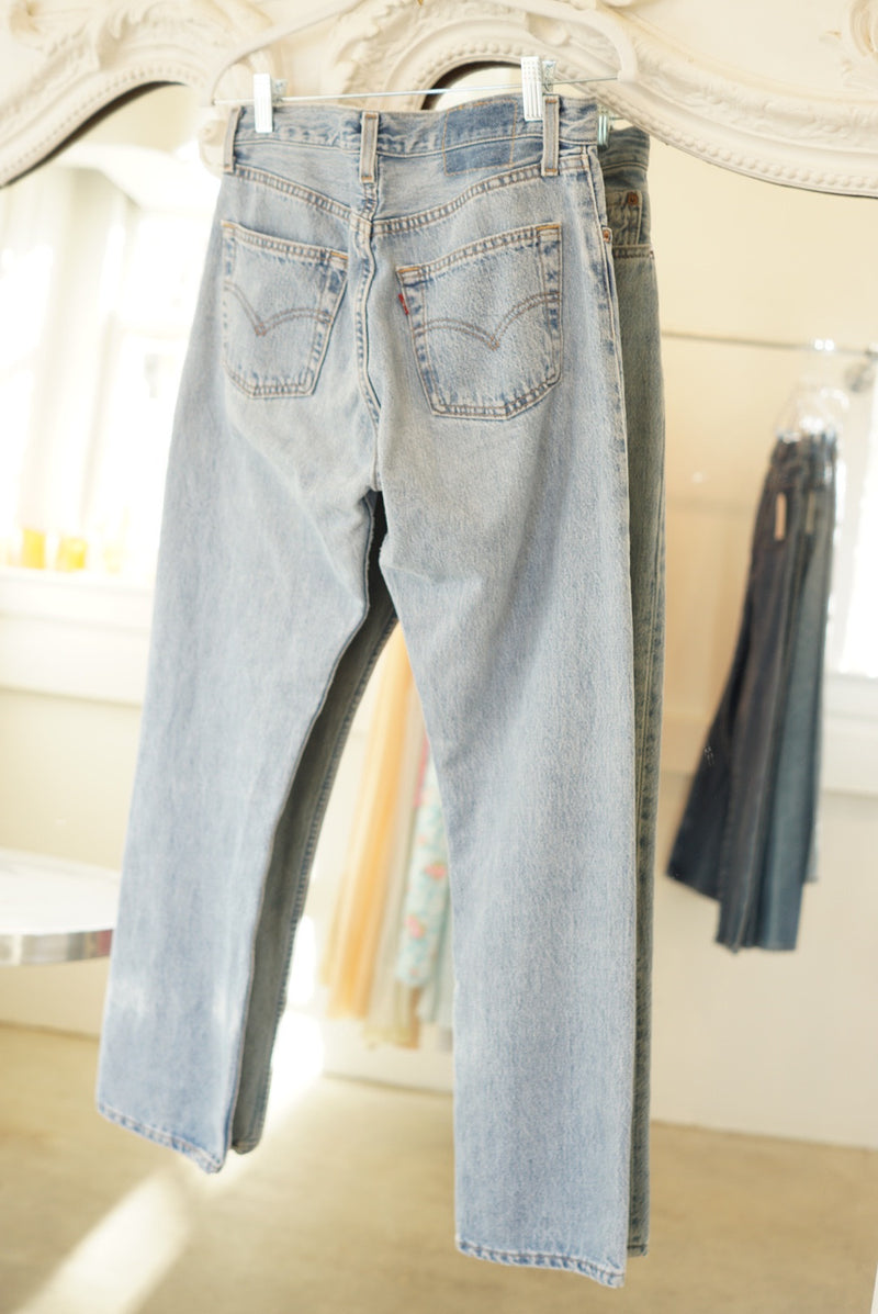 Sz. 26 Levi's Light Wash Button Fly