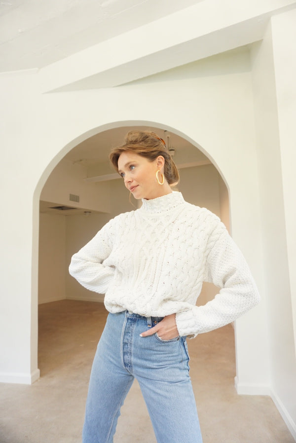 Small/Med 90s Chunky Knit Classic White Sweater
