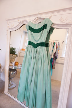 Small 50's Velvet Trim Holiday Gown