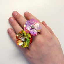 "Load image into Gallery viewer, ""FLOWER POWER"" Adjustable Ring 