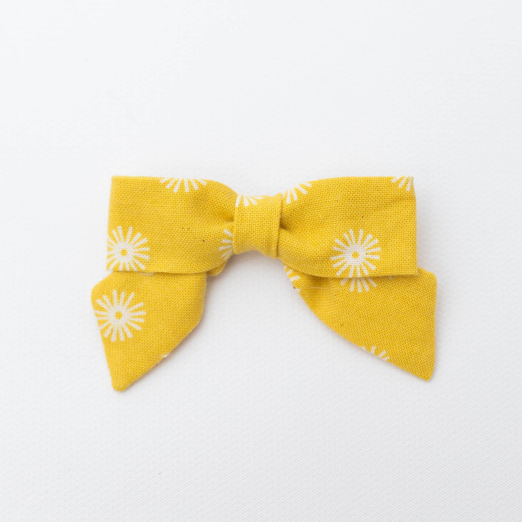 Petite Bow | Multiple Color Options | Hemming Birds