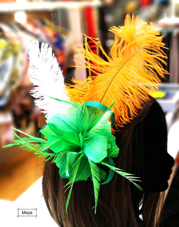 Green fascinator / brooch