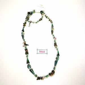 Green crystal long necklace