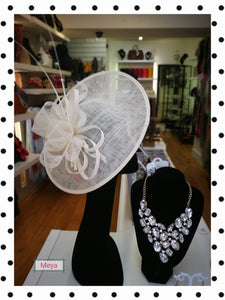 Cream loop and quill saucer fascinator