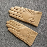 Bow detail leather gloves