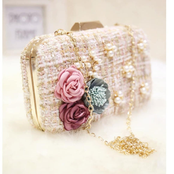 Flowers pearl wollen women's clutch bag