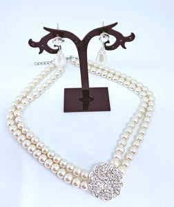 Pearl necklace set includes earrings 03