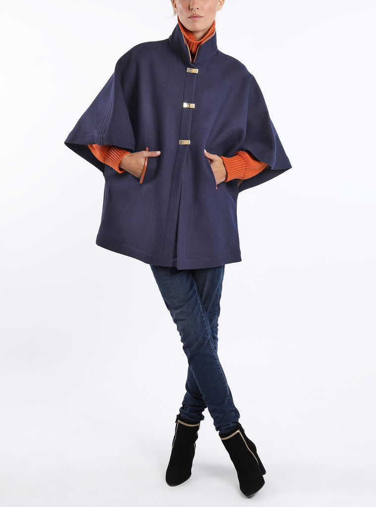 Cape-T from Austrian double-face loden in navy