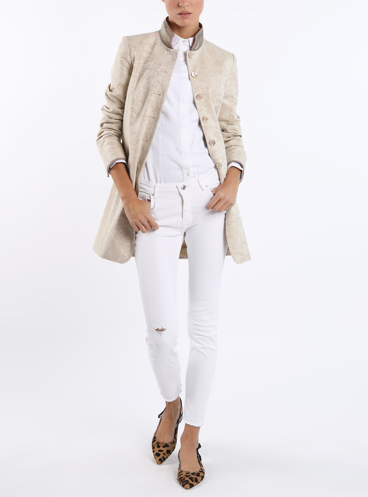 Long blazer from a stretchable cotton-jacquard woven in cream