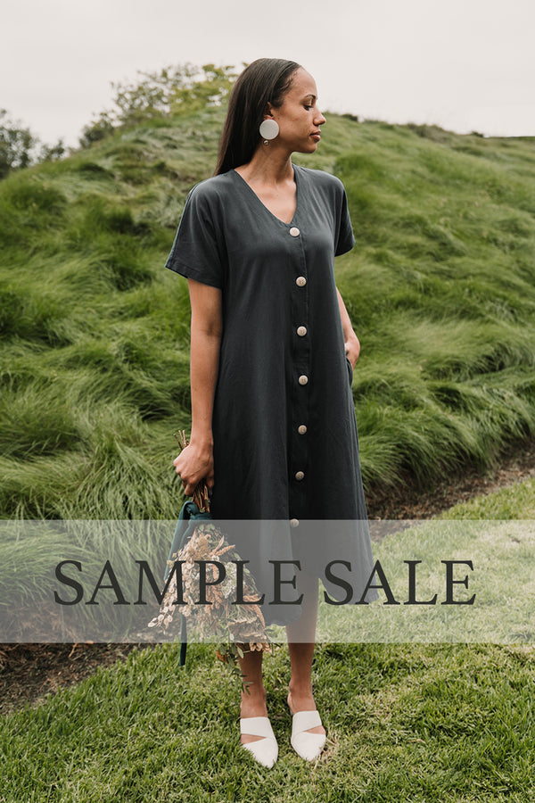 SAMPLE SALE | The Weekender Button Front Dress - Zinc Grey
