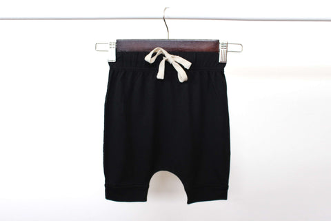bam |+| boo Duffle shorts - black (mint logo)