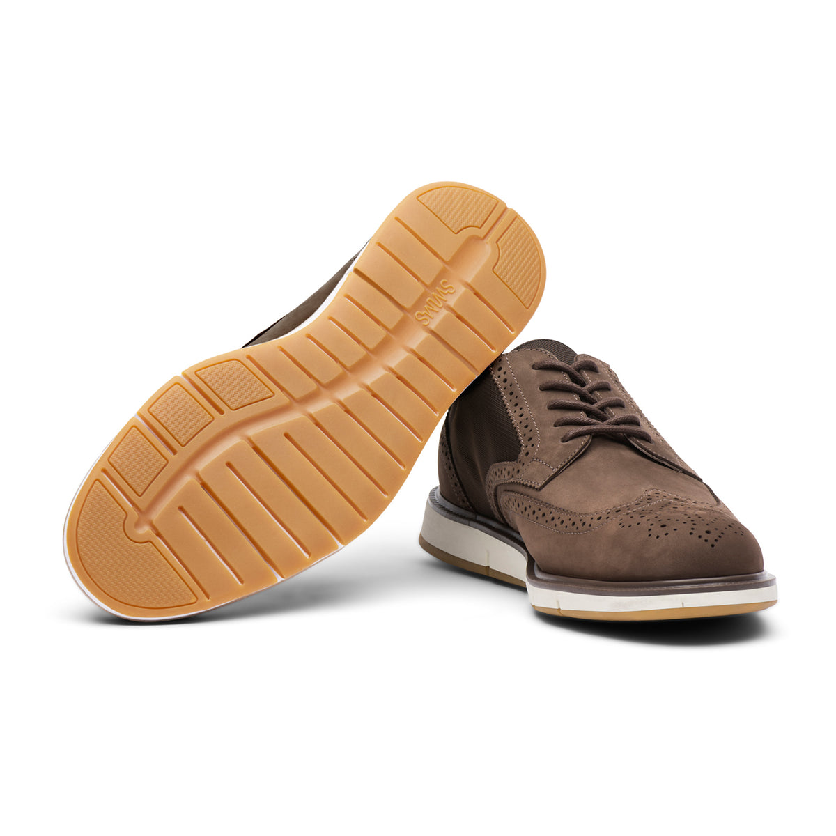 Motion Wing Tip Oxford - background::white,variant::Brown/Orange