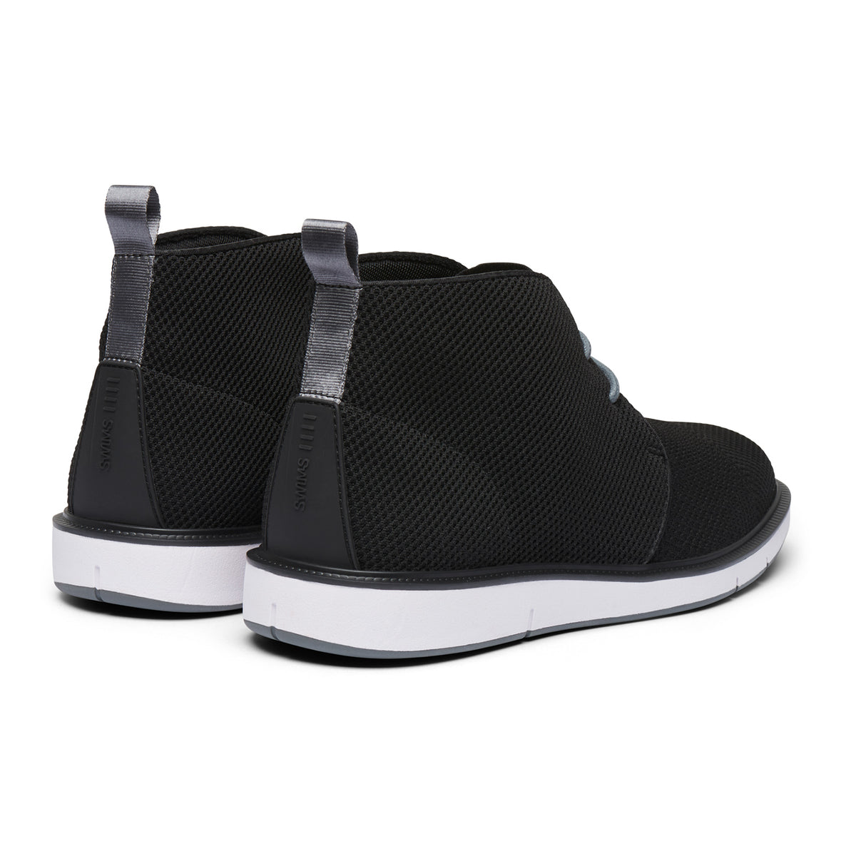 Motion Knit Chukka - background::white,variant::Black/Gray