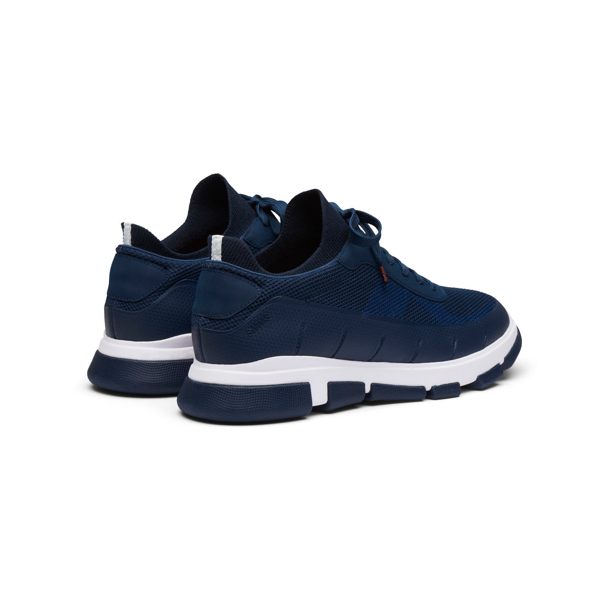 City Hiker Sneaker - background::white,variant::Navy/White