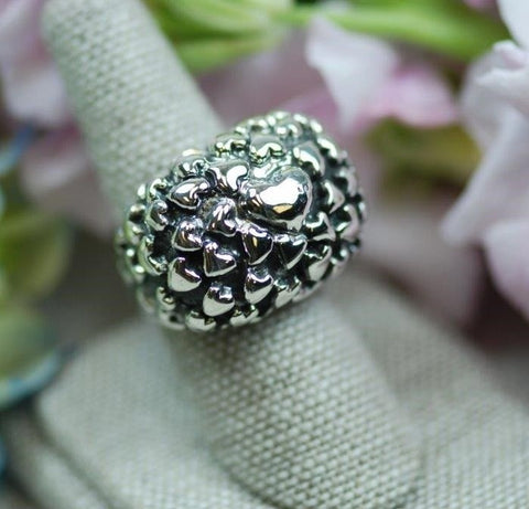 Dian Malouf Puffy Hearts Ring