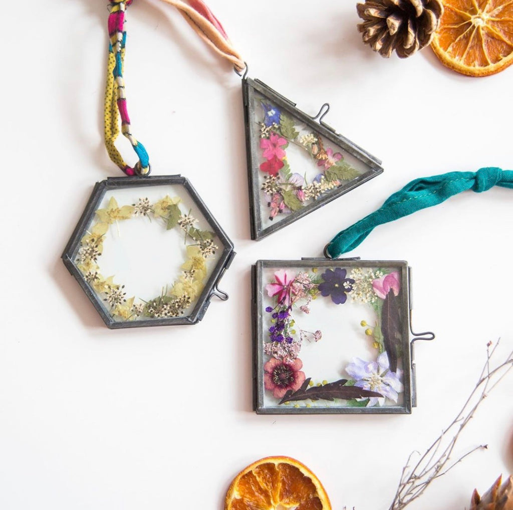 Christmas Decoration Workshop Saturday 30th November 10am - 11.30am