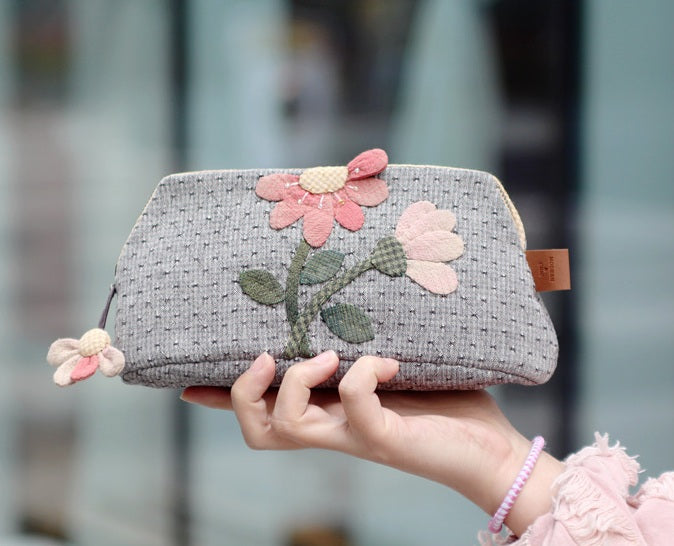 [Kit] Byhands Blooming Flowers Pouch (BYP-1725)