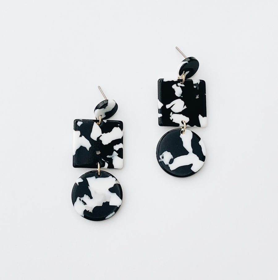 Totem Earrings in Noir Tortoise