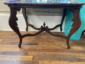 Unique Butlers End Table w/Removable Glass Top
