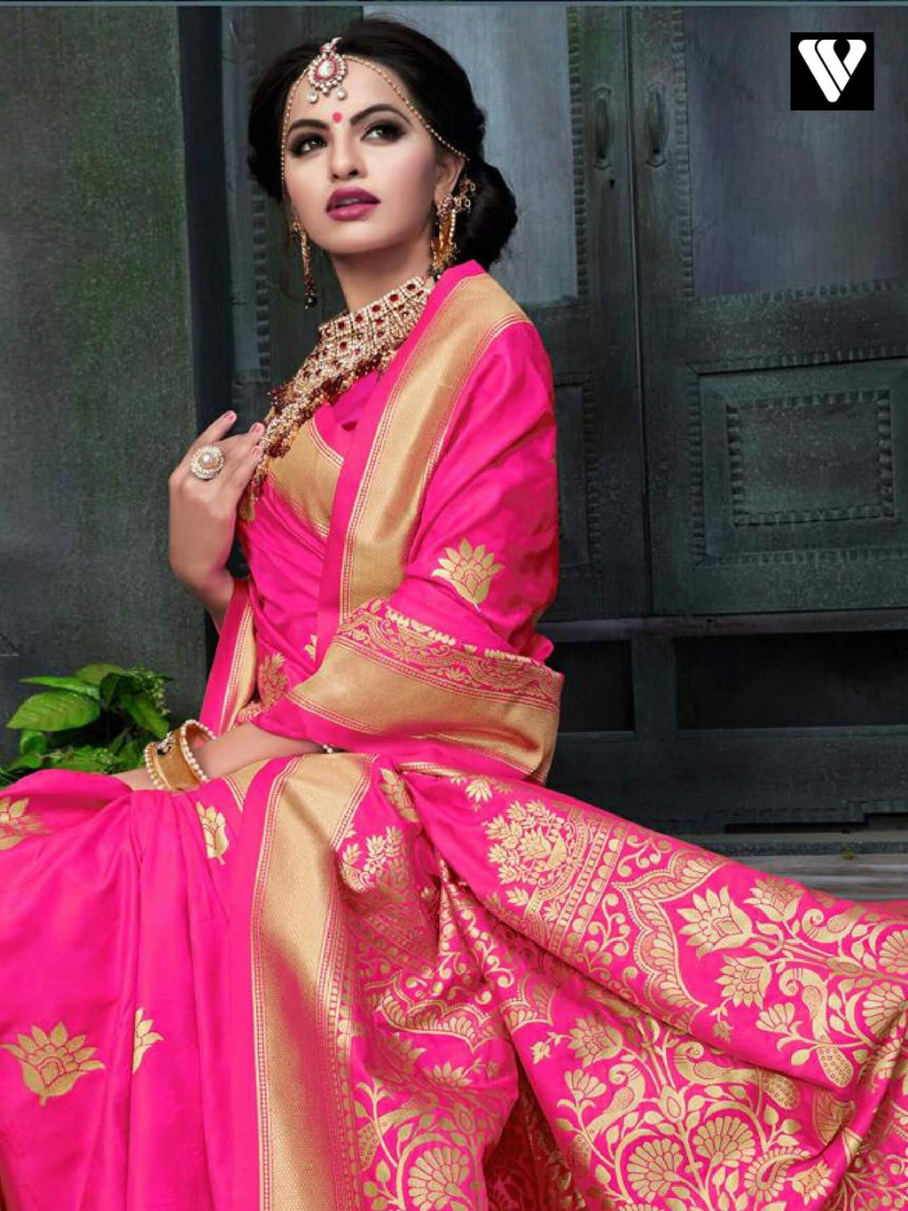 Nice Festival Wear Banarasi Silk Saree In Pink