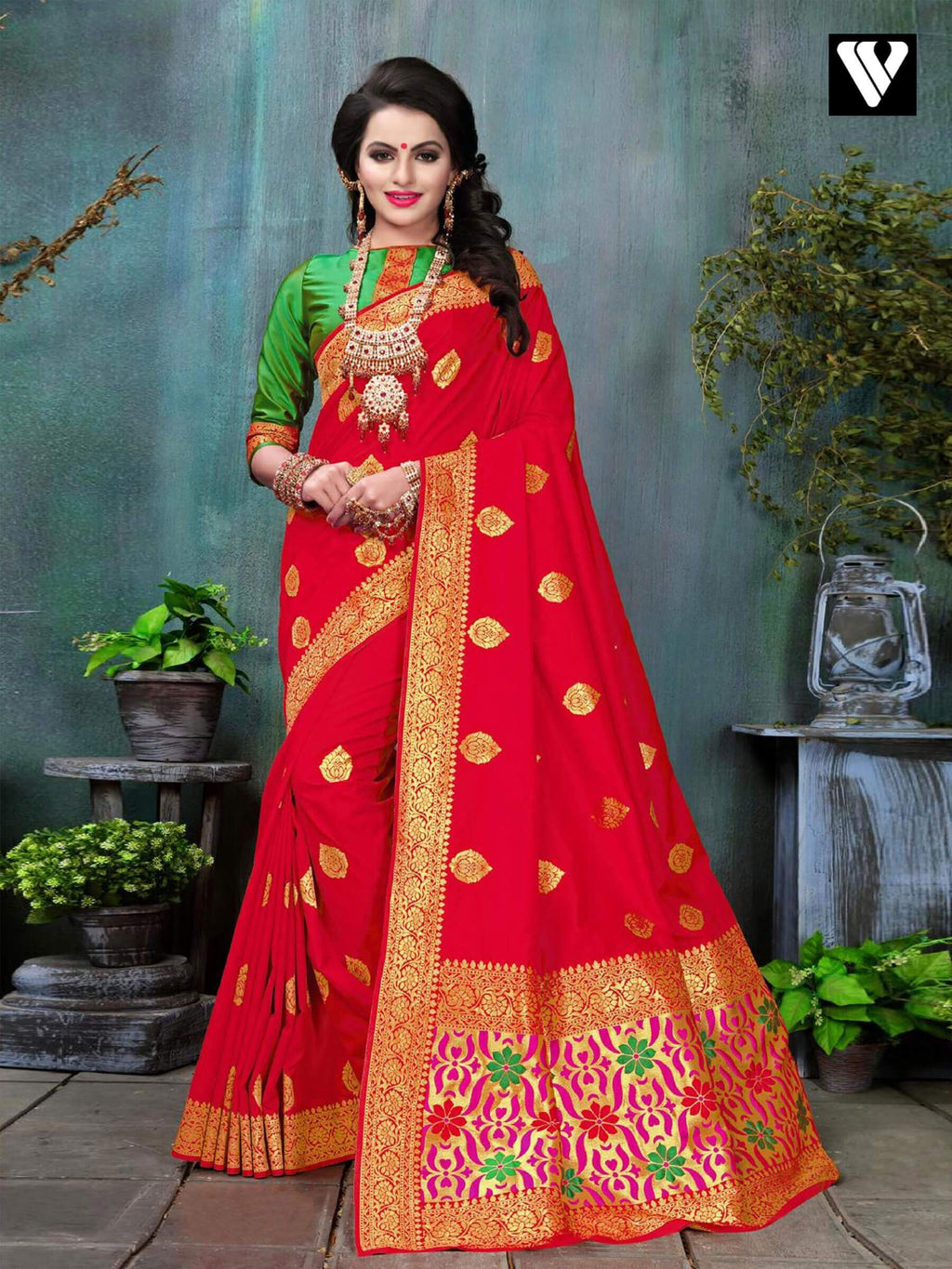 Designer Wedding Wear Banarasi Silk Saree In Red