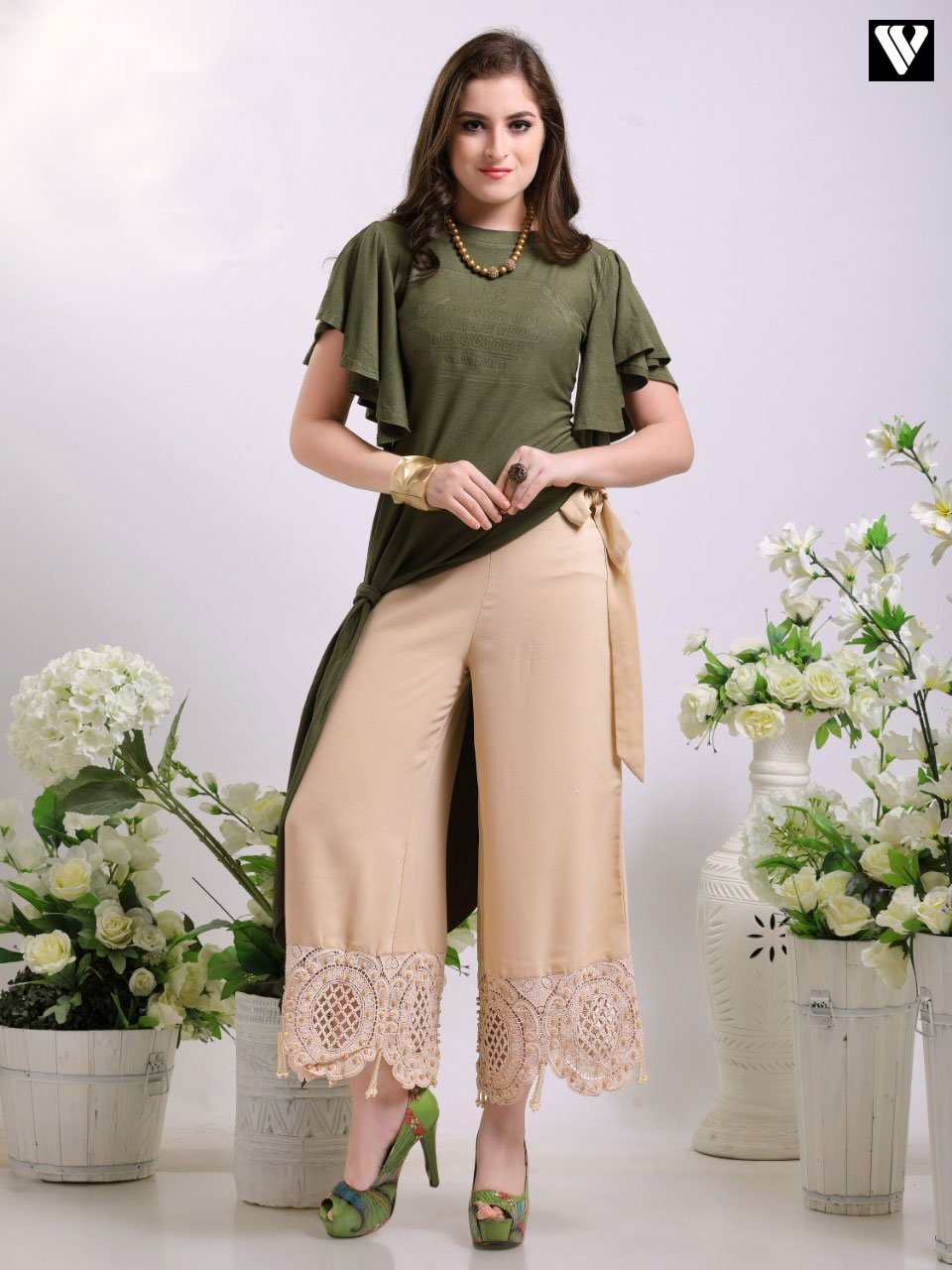 Latest Design Perl Tassel Lace Work Palazzo Pants in Skin