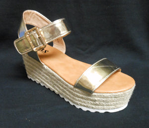 HIGH PLATFORM SANDAL GOLD