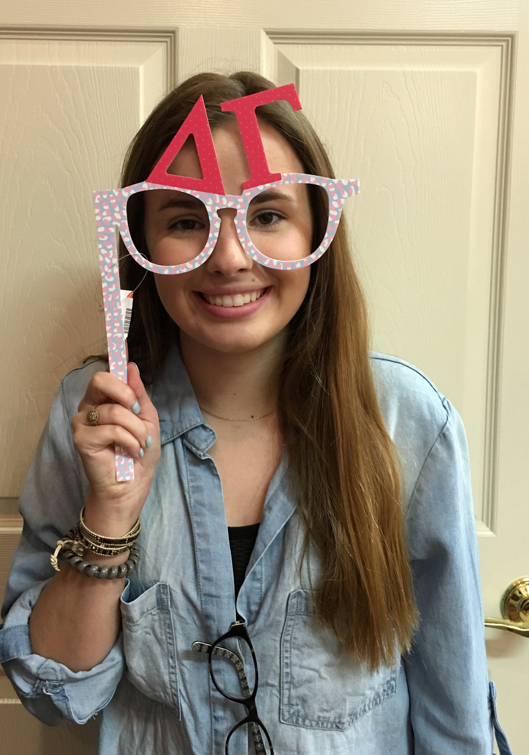 DELTA GAMMA PHOTO PROP