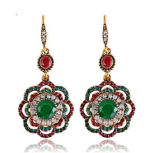 Load image into Gallery viewer, Long Clip Crystal Vintage Earrings
