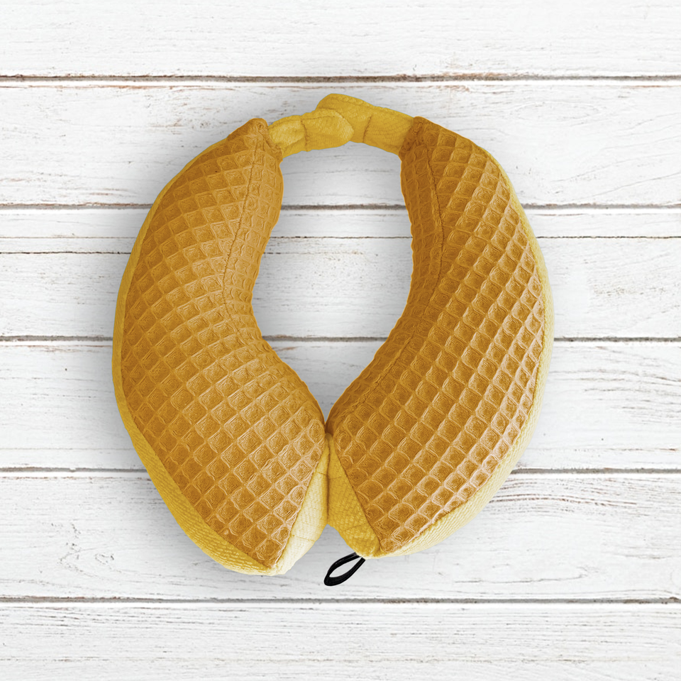 Magnetic travel neck pillow Size S (1-2 years) Mustard