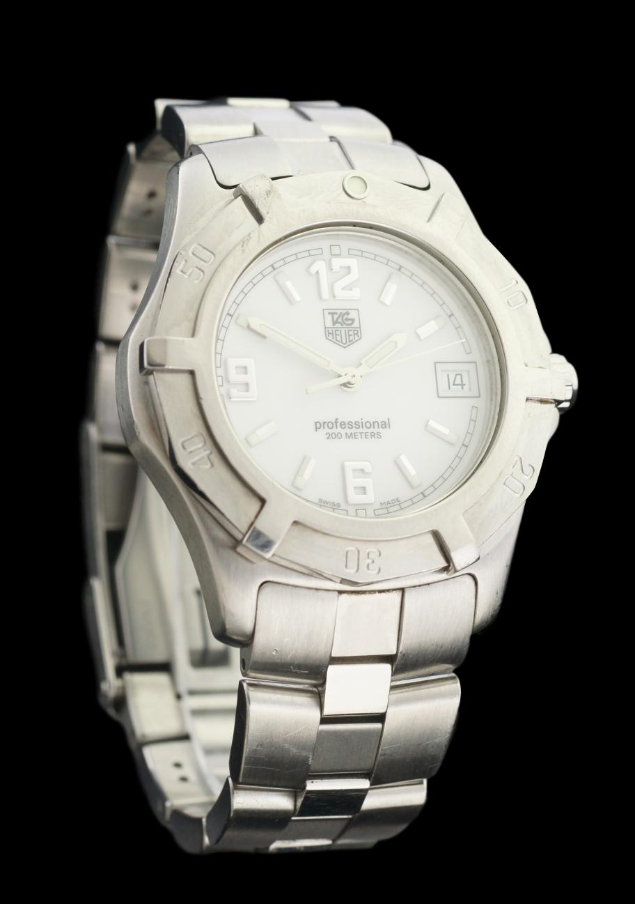 Tag Heuer Professional 2000 Series WN1111 White Dial