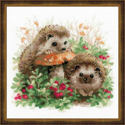 Riolos Cross Stitch - Hedgehogs in Lingonberries