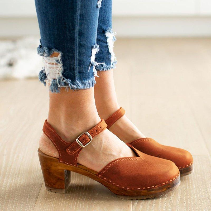 Vintage Buckle Strap Closed Toe Shoes Chunky Heel Sandals
