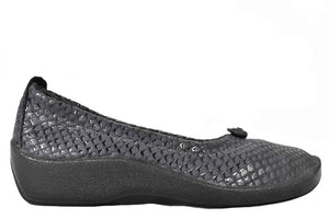 Arcopedico L14 Black shoe